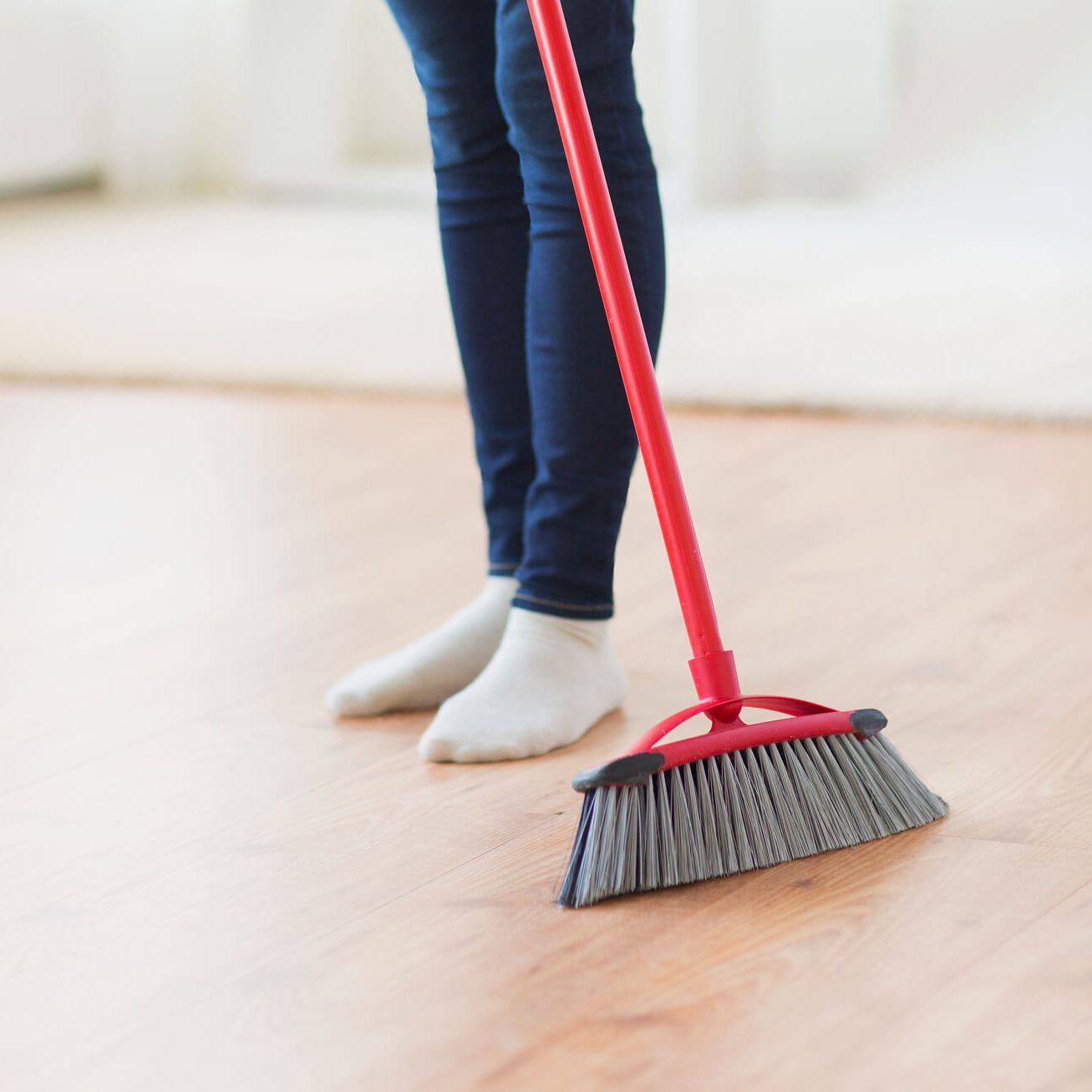 Laminate sweeping | Gilman Floors